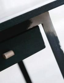 "Table - Bureau ""Hiding"""